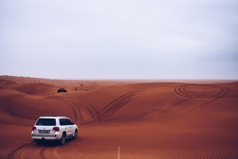 5 places worth seeing in Dubai - dunes