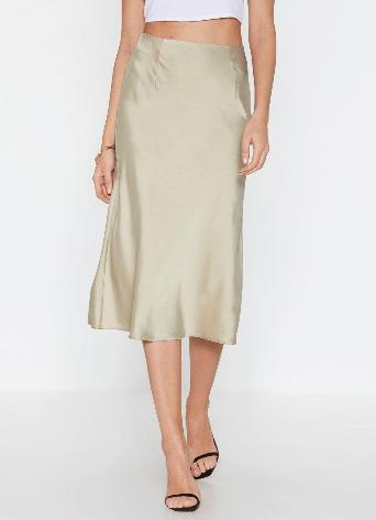 spring fashion edit- sleek havoc satin skirt