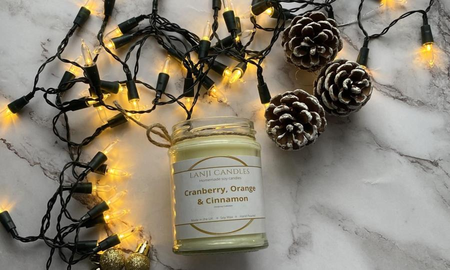 Christmas gift guide with etsy- soy candles on majeang.com
