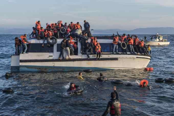 Combien de personnes ont été condamnées par la Cour de Rosette pour le naufrage d'un bateau de pêche en septembre 2016 ?