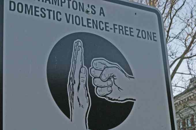 Quel pays vient de voter la dépénalisation des violences familiales ?