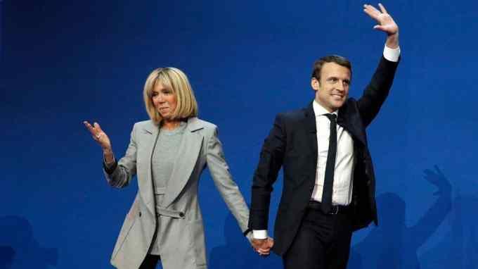A quel âge Emmanuel Macron a-t-il été élu président ?
