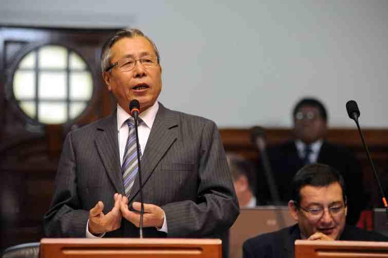 Combien d'auteurs ont signé pour s'opposer à la grâce de Fujimori ?