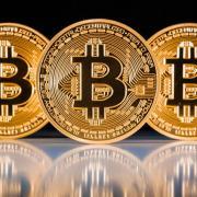 Le Bitcoin : la crypto-monnaie qui fait peur aux banques