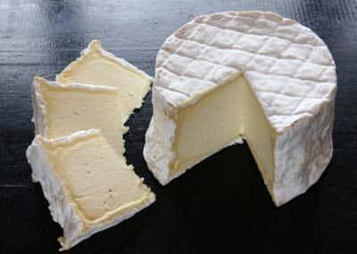Un fromage de la région est extrêmement connu, tu en as surement déjà mangé … Mais lequel ?
