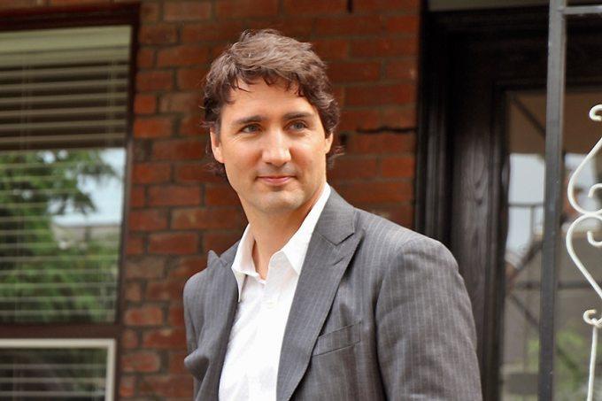 Où Justin Trudeau était-il en visite ?