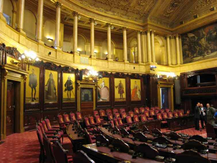 Sur quoi portent les deux ordonnances adoptées par le Sénat jeudi 15 février ?