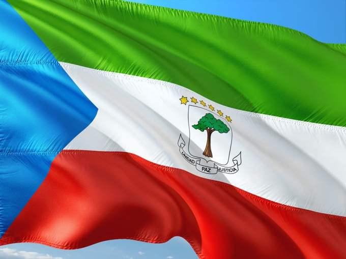 Quel parti a été dissout en Guinée Équatoriale ?
