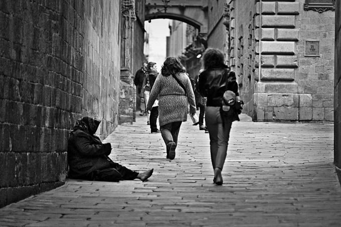Le taux de pauvreté moyen en France s'élève à...