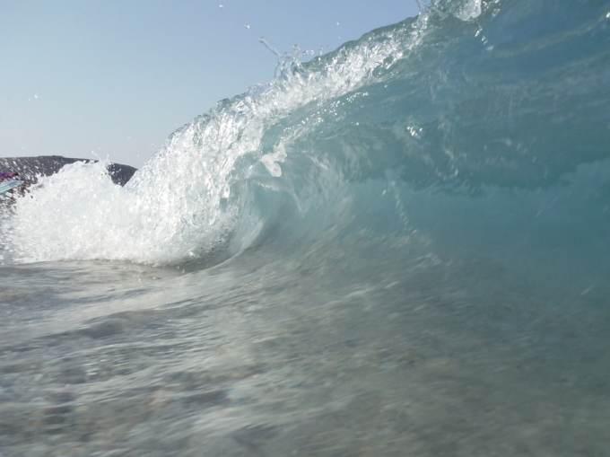 Quel pays a été touché par un tsunami samedi 22 décembre ?
