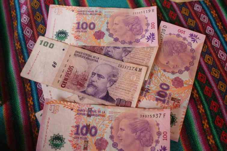 Mi-août dernier, quel évènement a provoqué une forte baisse du peso (monnaie argentine) ?