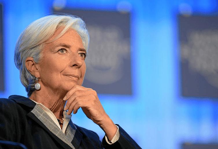 Christine Lagarde prédit une récession située entre ...  pour la zone euro et pour l'année 2020.