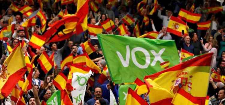 Comment expliquer l'ascension de Vox, le parti d'extrême droite espagnol ?