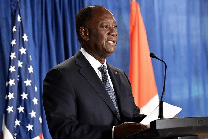Le président ivoirien Alassane Ouattara effectue actuellement son ... mandat.