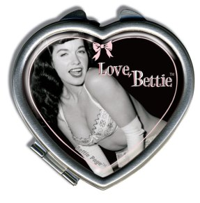 BettieLoveHeartCompact