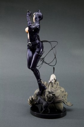 catwoman_side2