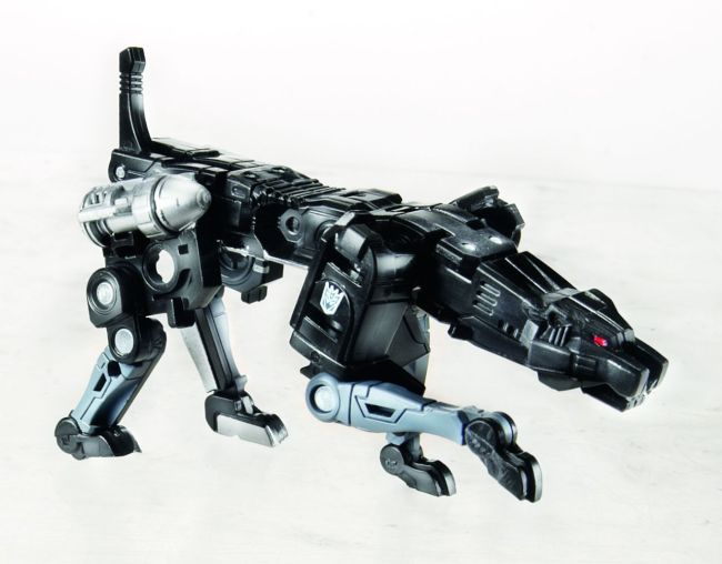 311420-Transformers-Masterpiece-Ravage