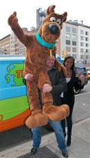 Triple-H-lifts-Scooby-Doo