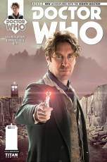 Doctor_Who_8D_02_Cover_B_Photo_AJ