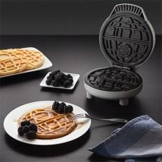 ThinkGeek- DeathStar -Waffle-2