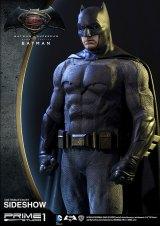dc-comics-batman-v-superman-batman-half-scale-polystone-statue-prime-1-902663-01