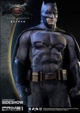 dc-comics-batman-v-superman-batman-half-scale-polystone-statue-prime-1-902663-04
