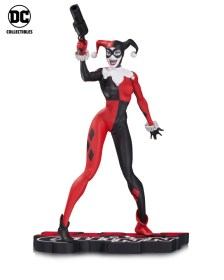 HQ-Red-White-Black-Lee-Statue-1-578e85afdef910-01431805-2d7c2