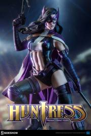 dc-comics-huntress-premium-format-300288-01
