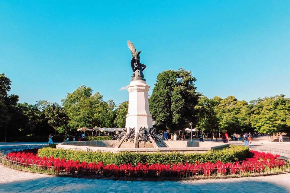 Retiro Park Circle Best Things to do in Madrid