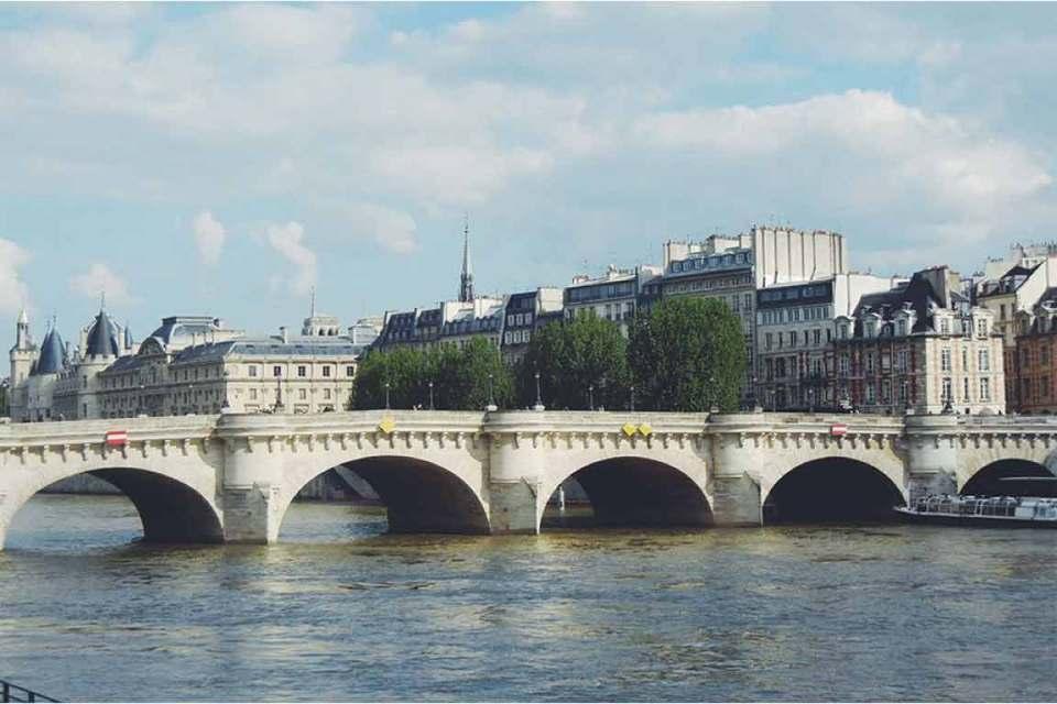 best things to do in paris bridges