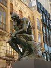 O pensador, escultura do artista francês Auguste Rodin
