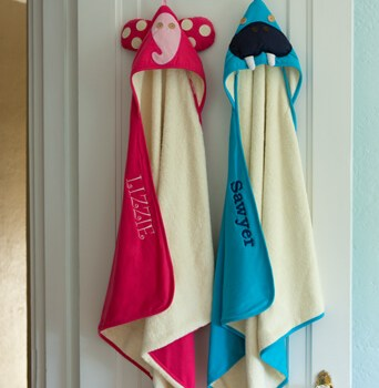 3 Sprouts hooded towel