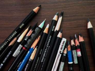 เลือกดินสอสำหรับงานวาดภาพลายเส้น (Drawing Pencils)