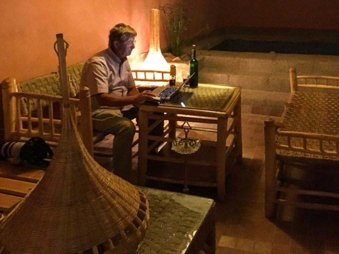 Wein und WLAN was will man mehr ... ;) warmes Wasser - es war am nächsten Morgen aus ...