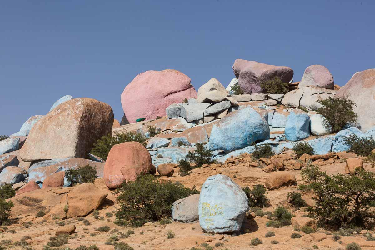 Rosa und hellblau sind die dominierenden Farben