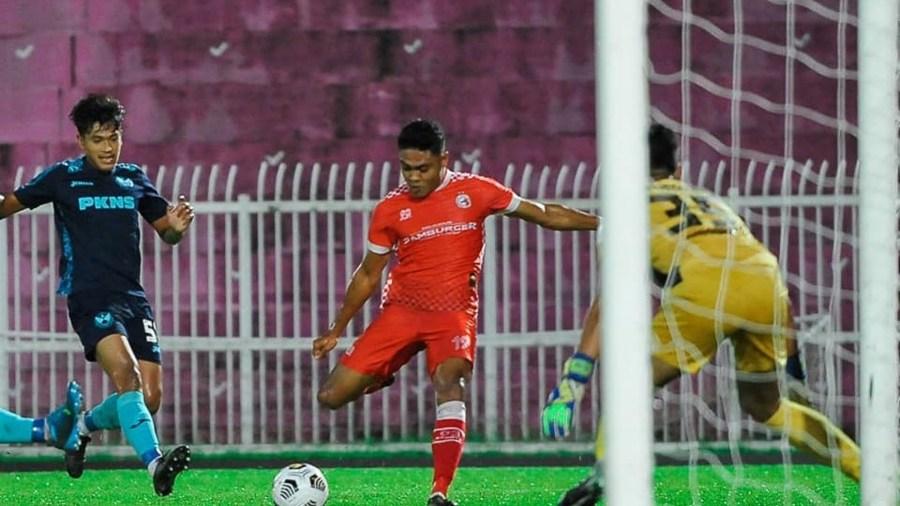 shamil kel Naluri 'Fox In The Box' Julang Nurshamil Selaku Penjaring Terbanyak Tempatan Liga Premier 2021