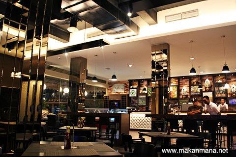 Opal Coffee Cafe & Resto 12