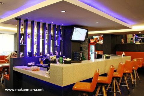 Barelo (Bar-Resto-Lounge) Medan 1