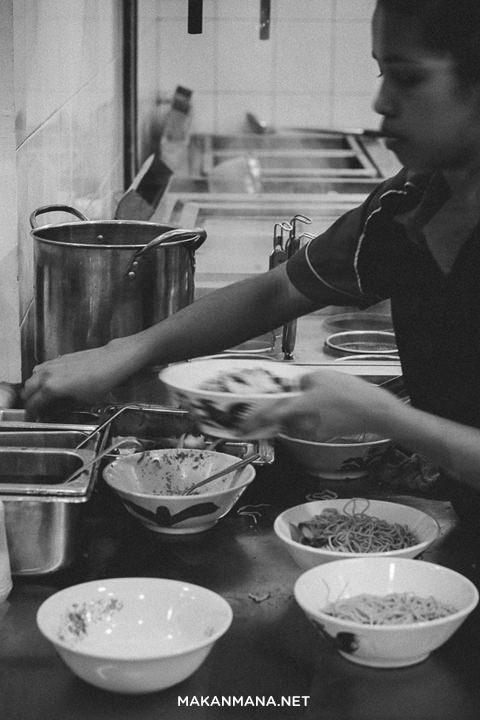 Bakmi Guang Zhou & Gz Cafe 7