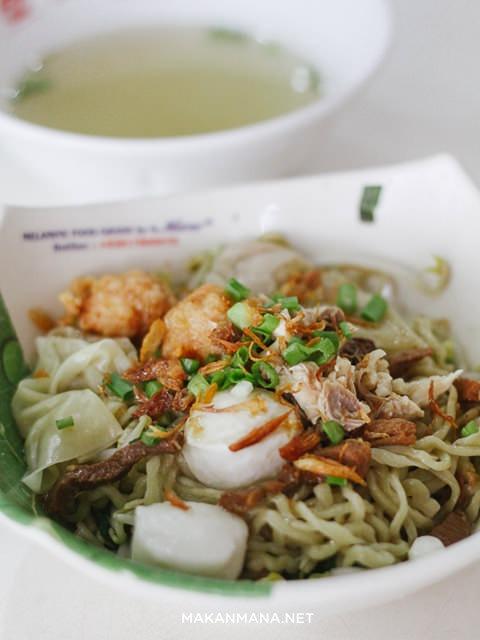 bakmi bangka komplit dengan sup
