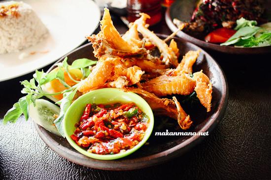 Bebek & Ayam khas Pak Ndut, Jl. Yos Sudarso 1