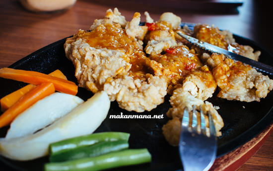 Raden's Crispy Steak & Spicy Chicken 1