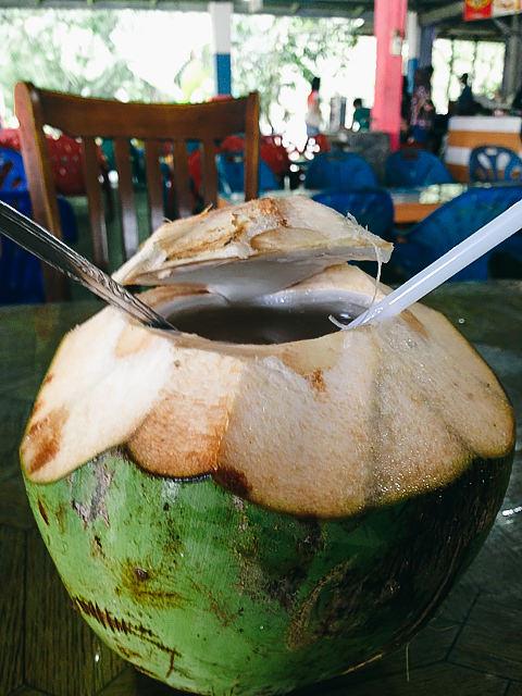 es kelapa muda RM Ingah, Pantai Cermin, Perbaungan