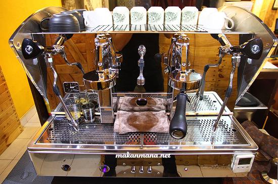 Etnica Orchestrale coffee machine