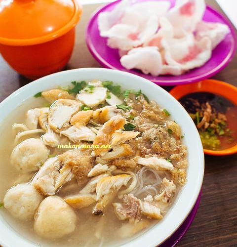 Mie Sop Coco, Jalan Kalimantan 1