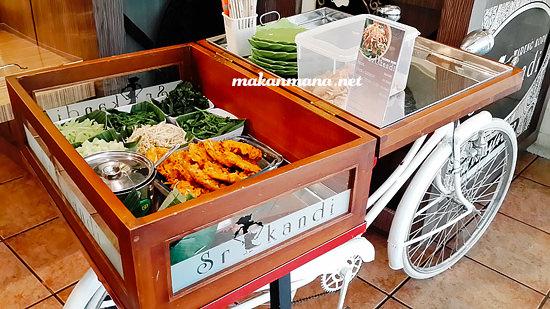 Warung Kopi Srikandi Sepeda Pecal Warung Kopi Srikandi, Plaza Medan Fair