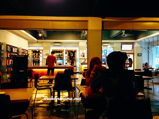 indoor 061 bistro 061 Bistro, version 2.0