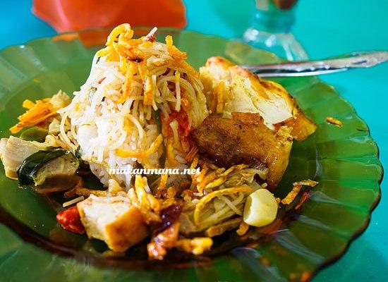 Warung Nasi Memeng, jalan Wahidin Ujung 1