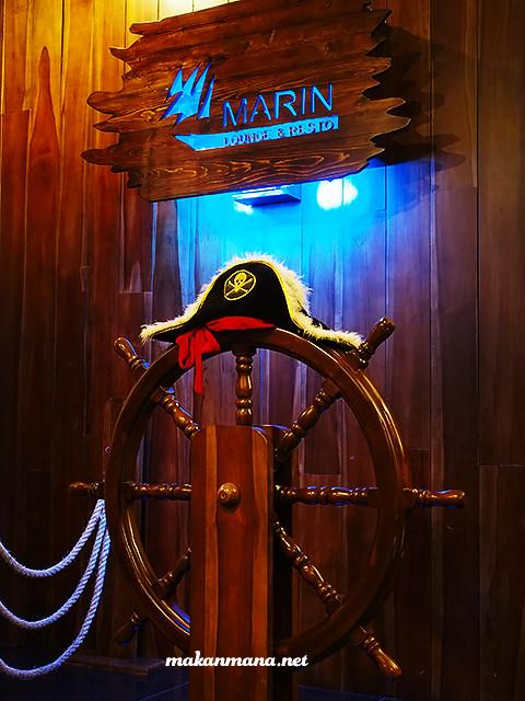 marin lounge and resto hotel karibia medan