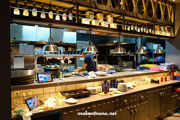 open-kitchen